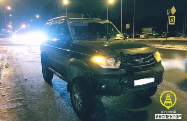 Водитель УАЗа сбил женщину наЛатышских Стрелков