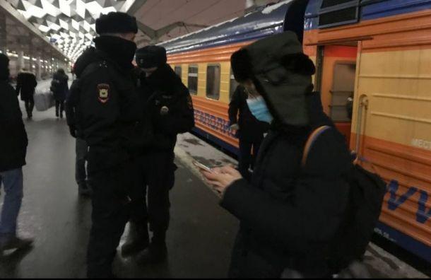 Желающих встретить Алексея Навального невыпускают изПетербурга