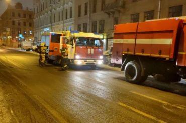 Жителей Гороховой улицы посреди ночи разбудил невыносимый запах гари