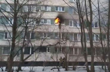 Спасатели эвакуировали изгорящего дома наТореза 10 человек