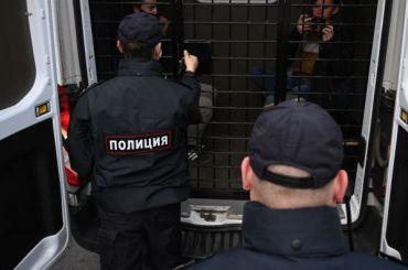 Активиста петербургской «Весны» задержали навыходе изпарикмахерской