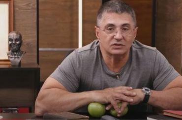 Мясников оправдал полицейского, ударившего петербурженку ногой вживот