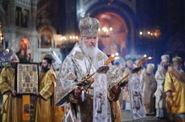 РПЦ порекомендовала пожилым людям непосещать храмы наРождество