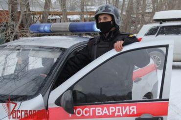 Здание «заминировали»: около 60 человек эвакуировали из дома на Светлановском
