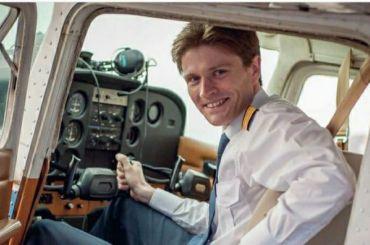 Прощание спогибшим вавиакатастрофе пилотом Ивановым прошло вСестрорецке