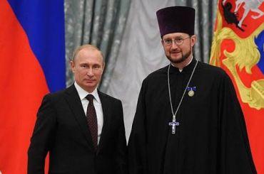 Созданный Путиным фонд «Круг добра» возглавил священник изПетербурга