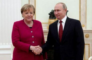 Путин обсудил сМеркель борьбу спандемией коронавируса