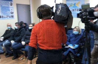 Суд над Навальным начался вХимках в12:30