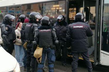 Роскомнадзор угрожает СМИ блокировкой зазавышение числа участников акций