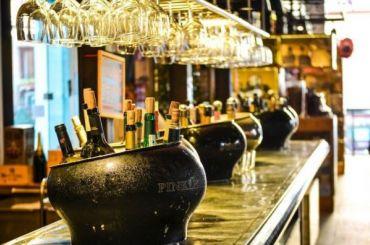 Улицу Рубинштейна хотят оставить без алкоголя
