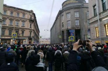 Возбуждено уголовное дело после перекрытия движения вцентре Петербурга