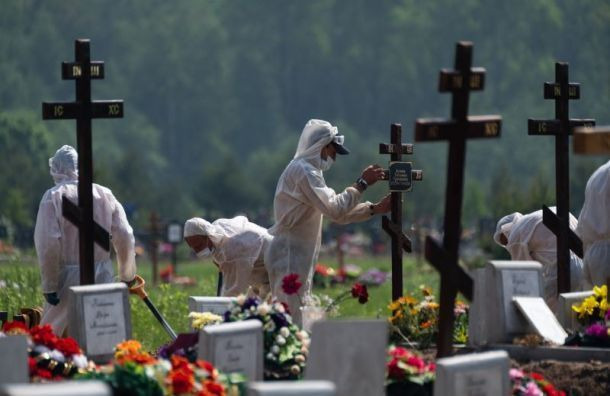 Лисовец рассказал, в каком возрасте петербуржцы чаще всего умирали от COVID-19
