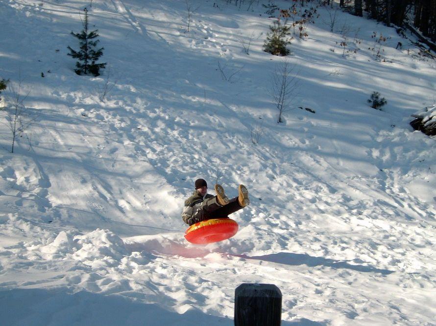 snow-tubing-93024_1280.jpg