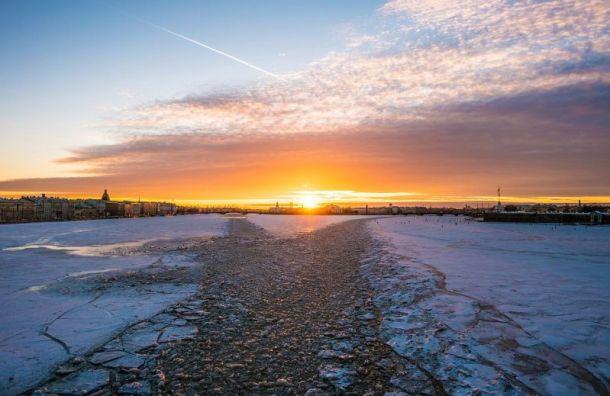 Циклон несет вПетербург снег ипотепление