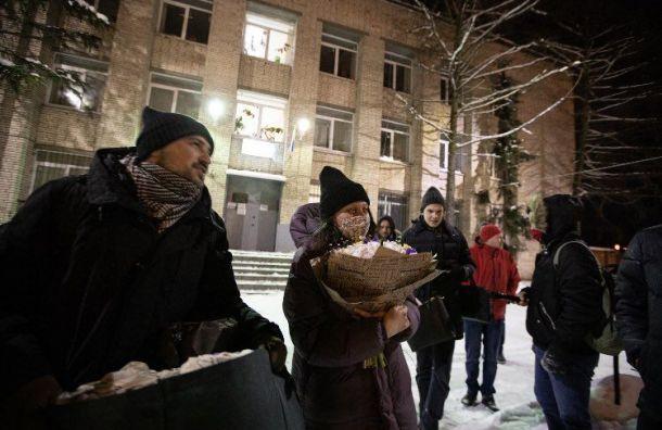 Главу штаба Навального вПетербурге изИВС увезли вотдел полиции