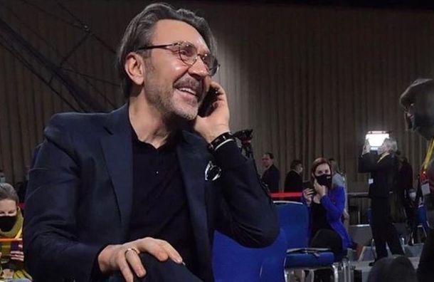 Шнуров поддержал запрет мата всоцсетях