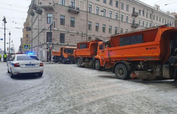 Центр Петербурга «покраснел» после перекрытия полицией