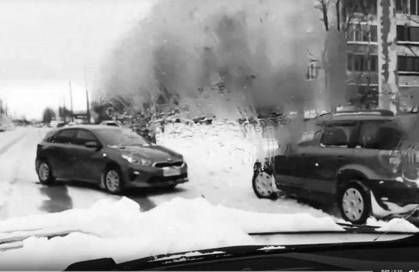 Петербуржец посвятил стих покрытой снегом улице иаварии