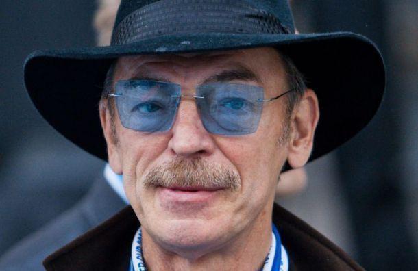 Михаил Боярский задолжал ГИБДД 3 тысячи рублей штрафа