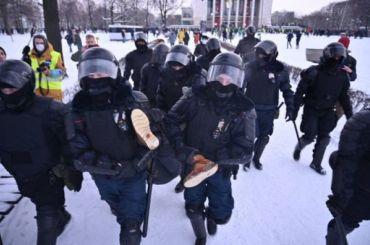 «Лопата лучше, чем дубинка»: куборке снега просят привлечь Росгвардию