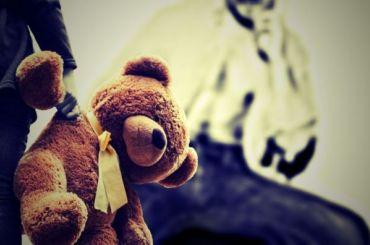 Трое безработных изнасиловали девочку-подростка навписке