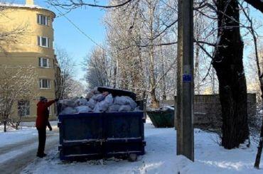 Жилинспекция нашла нарушения поуборке снега вкаждом шестом дворе