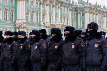 Макаров наградил силовиков, работавших напротестных акциях вподдержку Навального