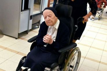 Француженка смогла победить COVID-19 иотпраздновать свой 117-й день рождения