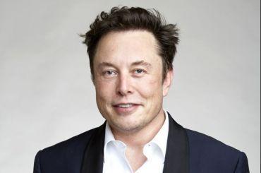 Илон Маск потерял статус самого богатого человека вмире