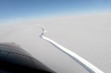 Айсберг размером сПетербург откололся отАнтарктиды