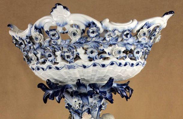 Женщина приютила знакомого, аонукрал унее антикварную вазу XVIII века иожерелье за3 млн рублей