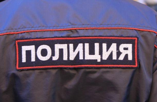 Неизвестные отняли удвух строителей наЛенсовета почти 200 тысяч рублей
