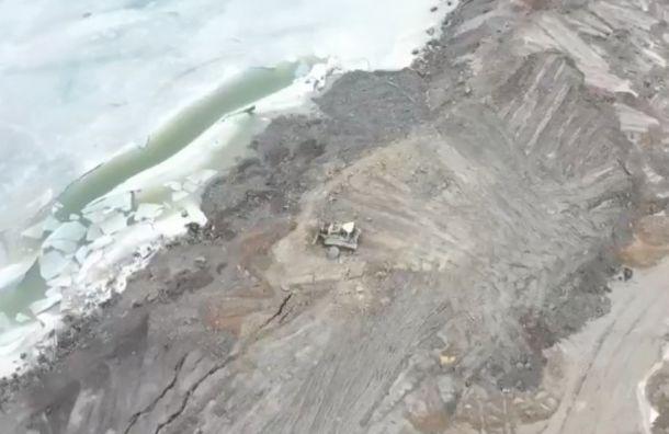 Вводоохранной зоне Финского залива разрастается незаконная свалка