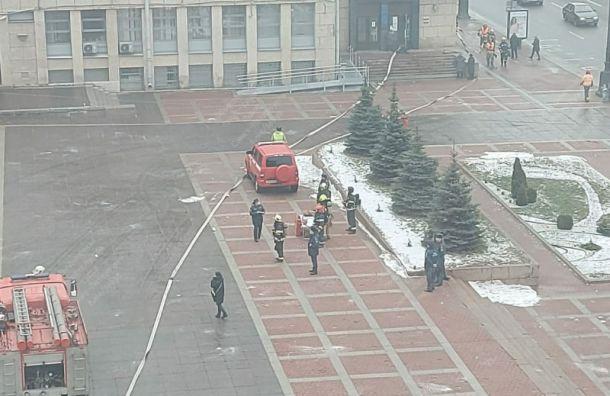 Густой дым уМосковского районного суда оказался элементом учений