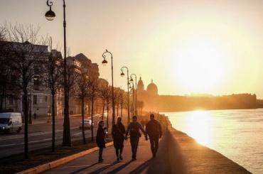 Петербург окажется взоне атмосферного фронта