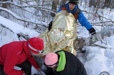 «Зимний лес непрощает ошибок»: видео шестичасового спасения замерзшего фотографа
