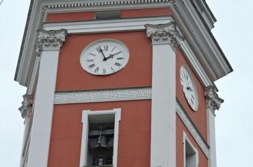 Часы наДумской башне «догнали» московское время