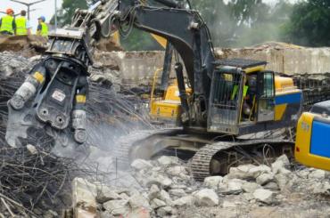 Малую Митрофаньевскую избавят отнезаконных складов иавтосервиса