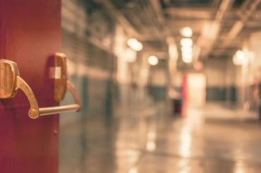 Бывшая поликлиникаАО «ЛОМО» будет ковидным госпиталем