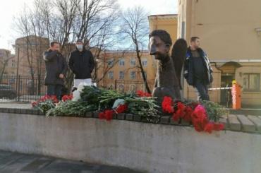 Беглов поддержал идею обустановке памятника всем жертвам пандемии