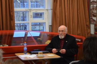 Умер петербургский писатель и историк Наум Синдаловский