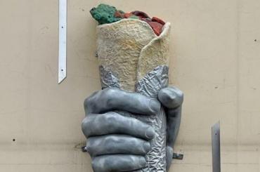 Памятник шаверме наШкольной улице может исчезнуть