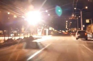 Провода трамвая загорелись напроспекте Просвещения
