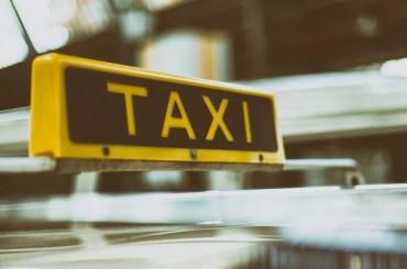 Тарифы напоездки втакси вРоссии могут вырасти на5−10%