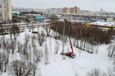 Активисты пожаловались наопору антенны сотовой связи всквере наСавушкина