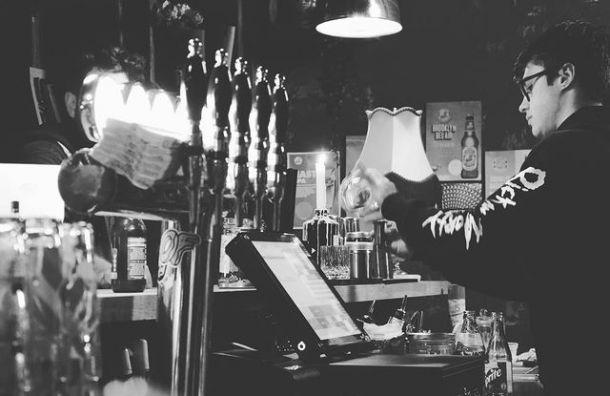 Власти Финляндии закрыли бары ирестораны из-за ухудшения ситуации сCOVID-19