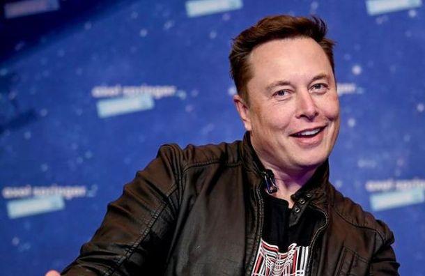 Илона Маска пригласили вПетербург накосмическую конференцию
