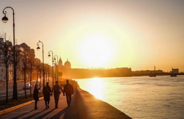 Петербург ожидает теплая ибезоблачная погода впонедельник