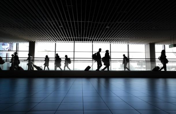 Из-за сообщений оминировании ваэропорту Пулково усилили меры безопасности
