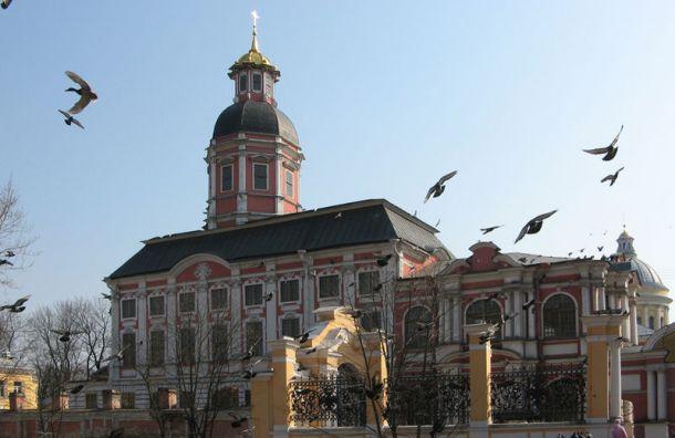 Реставрацию Благовещенской церкви Александро-Невской лавры завершат ксентябрю